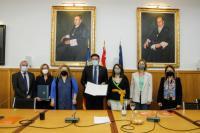 Firma de un convenio de colaboración entre el Ayuntamiento y la Universidad de Alicante