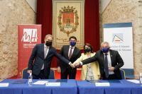 El alcalde Luis Barcala, el concejal de Cultura, Antonio Manresa, la rectora de la UA, Amparo Navarro, y el rector de la UMH, Juan José Ruiz, firm...