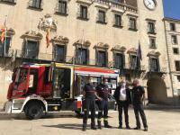Presentación del nuevo vehículo de bomberos del SPEIS