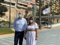Mari Carmen Sánchez y Manuel Villar_ Bandera Q