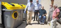 Barcala y Villar con los nuevos contenedores adaptados