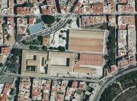 Vista aérea de un sector de la ciudad y, en el centro, el complejo Las Cigarreras en lo que era la fábrica de tabacos