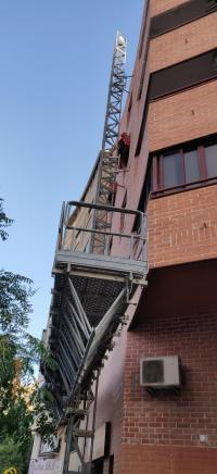 Fachada edificio público en San Blas