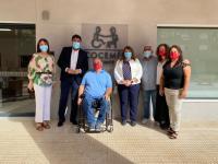 Visita Luis Barcala a la sede de Cocemfe