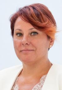 Dña. María Conejero Requena