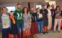 La concejal de Cultura, con los portavoces de Alacant Desperta y diversos colaboradores tras la rueda de prensa en la que han presentado el festival