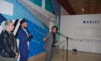 El concejal de Cultura presentó al arstista, Antonyo Marest, junto a la edil Marisa Gallo