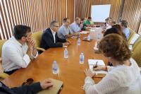 Reunión Ayuntamiento y vecinos planificación limpieza verano