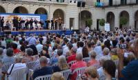 Primera actuación del Brasss Festival Alicante en la plaza del Ayuntamiento