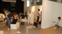 Alumnos de la UMH preparan una sala del Centro de las Artes para exponer, en una imagen de archivo