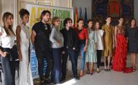 Los concejales de Cultura y Comercio, junto a diseñadores y modelos que han intervenido en el acto