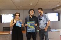 En la imagen, Nuria Diaz de Ecoevent, Dani Simón Concejal de Cultura y Miguel Carratalá de Un fulgor de moda antómina.