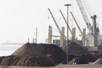 Descarga graneles puerto Alicante
