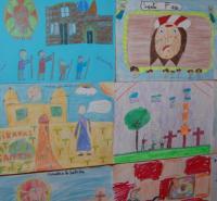 Imagen de trabajos en una pasada muestra infantil Miradas a la Santa Faz.