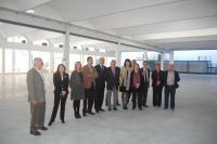 En la imagen, Alcalde, Concejales, personal municipal, representantes de las Cigarreras y de organizaciones culturales, en las nuevas instalaciones.